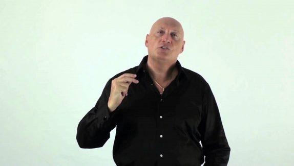 Roger Lannoy : Son Parcours et Notre Avis sur les Clés de l'Abondance