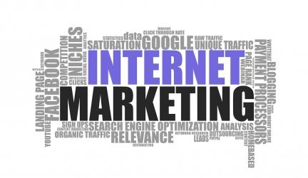 Les 5 Meilleurs Outils Webmarketing Tout-en-Un pour Faire du CA$H